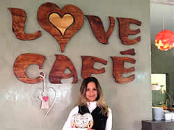 Love Cafe in Ponra do Oura for Greek and Italian Food